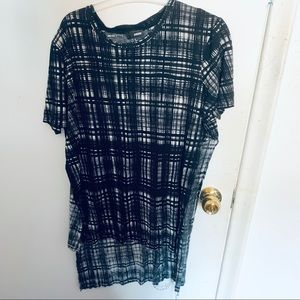 Wilfred Free Plaid Side Split tee black and white